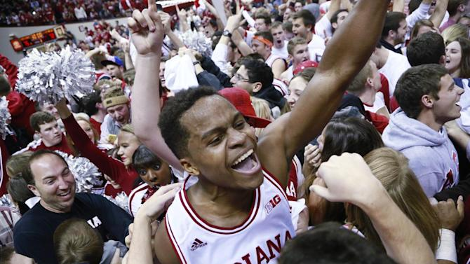 Hoosiers grow up in 75-72 upset of No. 3 Wisconsin