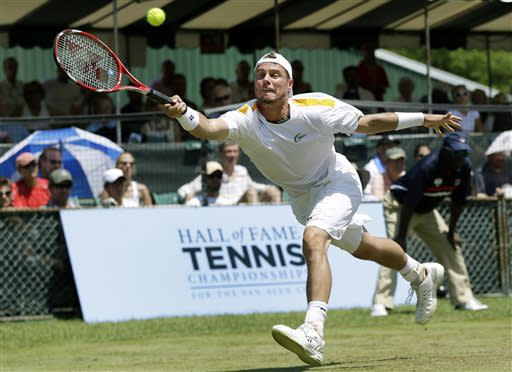 Mahut beats Hewitt in Newport grass-court final
