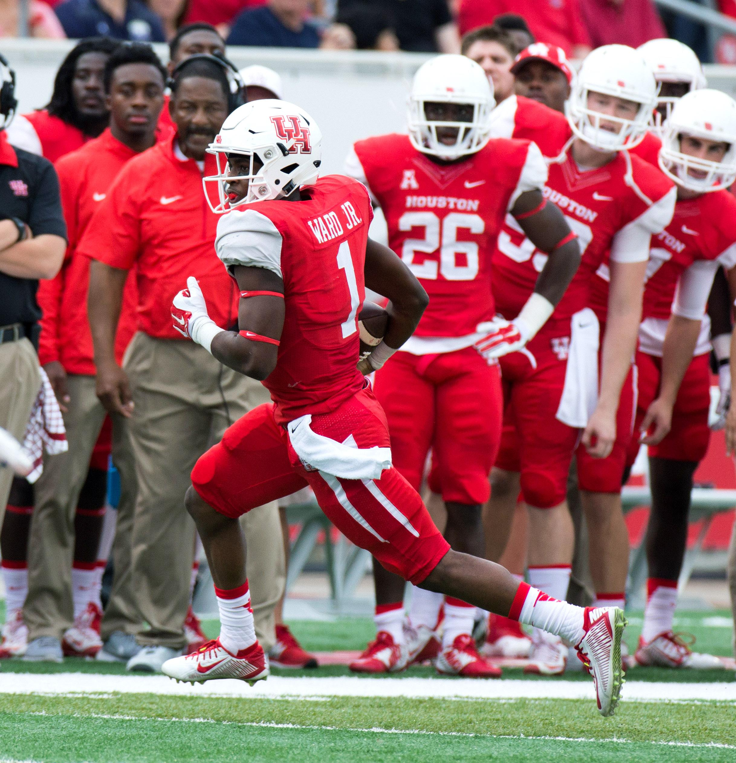 Ward leads No. 21 Houston to 52-31 win over No. 16 Navy