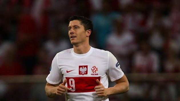 Robert Lewandowski has told England not to underestimate Poland