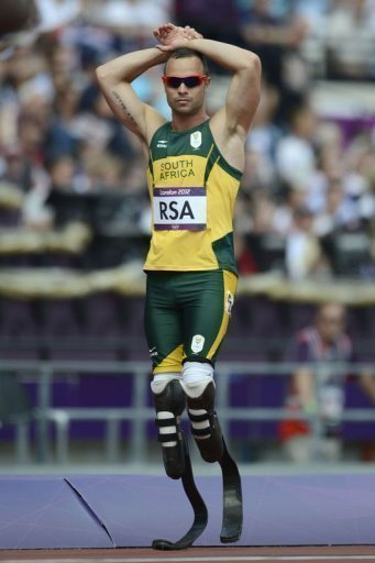 South Africa, whose runners include Oscar Pistorius, have been reinstated in the 4x400m relay