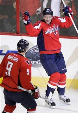 Capitals score 2 goals in 3rd, top Flyers 3-2