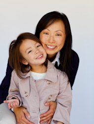 "Comedian and single-working mom, Amy Anderson, with her daughter, actor Aubrey Anderson-Emmons, from ""Modern Family"""