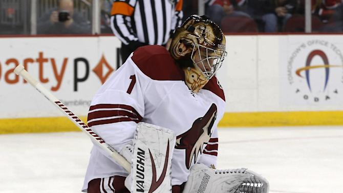 Greiss leads Coyotes past Devils 3-2 in shootout