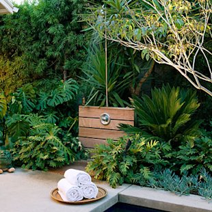 14 Refreshing Outdoor Showers | At Home - Yahoo! Shine