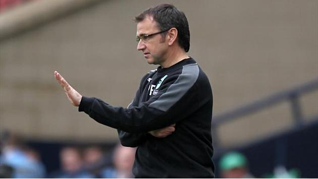 Scottish Football - Fenlon expects Hibs improvement