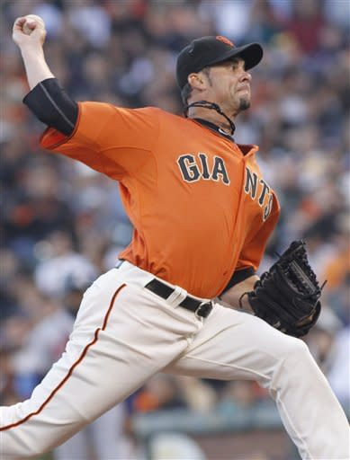 Giants Pagan gets 4 hits to back Vogelsong