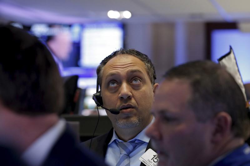 Tech stocks extend losses, valuations dented