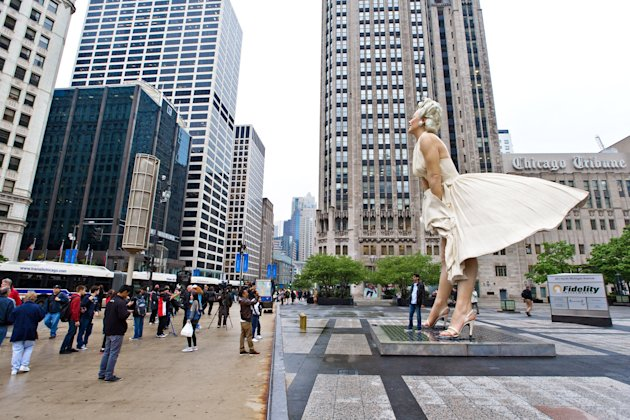 Marilyn Monroe Sculpture Leaving Chicago