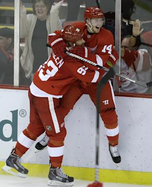 Nyquist has 2 Red Wings break skid, 4-3 over Canes