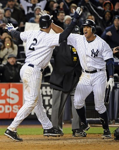 Jeter scores on passed ball, Yanks beat Tigers 7-6