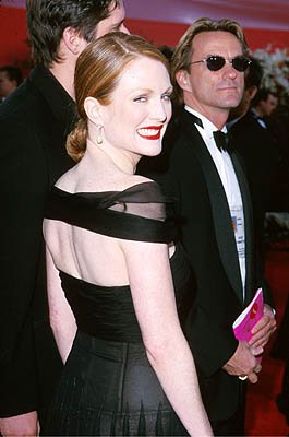 Julianne Moore 72nd Annual Academy Awards Los Angeles, CA 3/26/2000