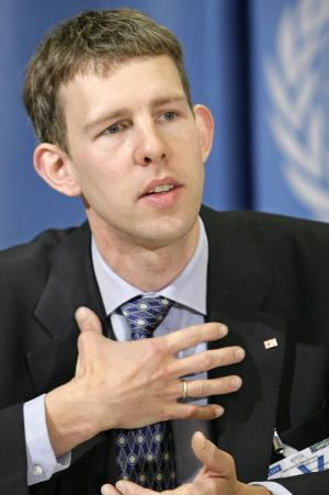 """FILE - Maarten van Aalst, leading climate specialist for the Red Cross and Red Crescent, speaks about how climate change will affect people and assets during the presentation of the Intergovernmental Panel on Climate Change (IPCC) report at a press conference at the European headquarters of the United Nations in Geneva, Switzerland, in this April 11, 2007 file photo. Top international climate scientists and disaster experts meeting in Africa had a sharp message Friday Nov. 18, 2011 for the world's political leaders: Get ready for more dangerous and """"unprecedented extreme weather"""" caused by global warming. (AP Photo/Keystone, Salvatore Di Nolfi, File)"""