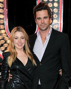 Actors Majandra Delfino, David Walton Expecting First Child!