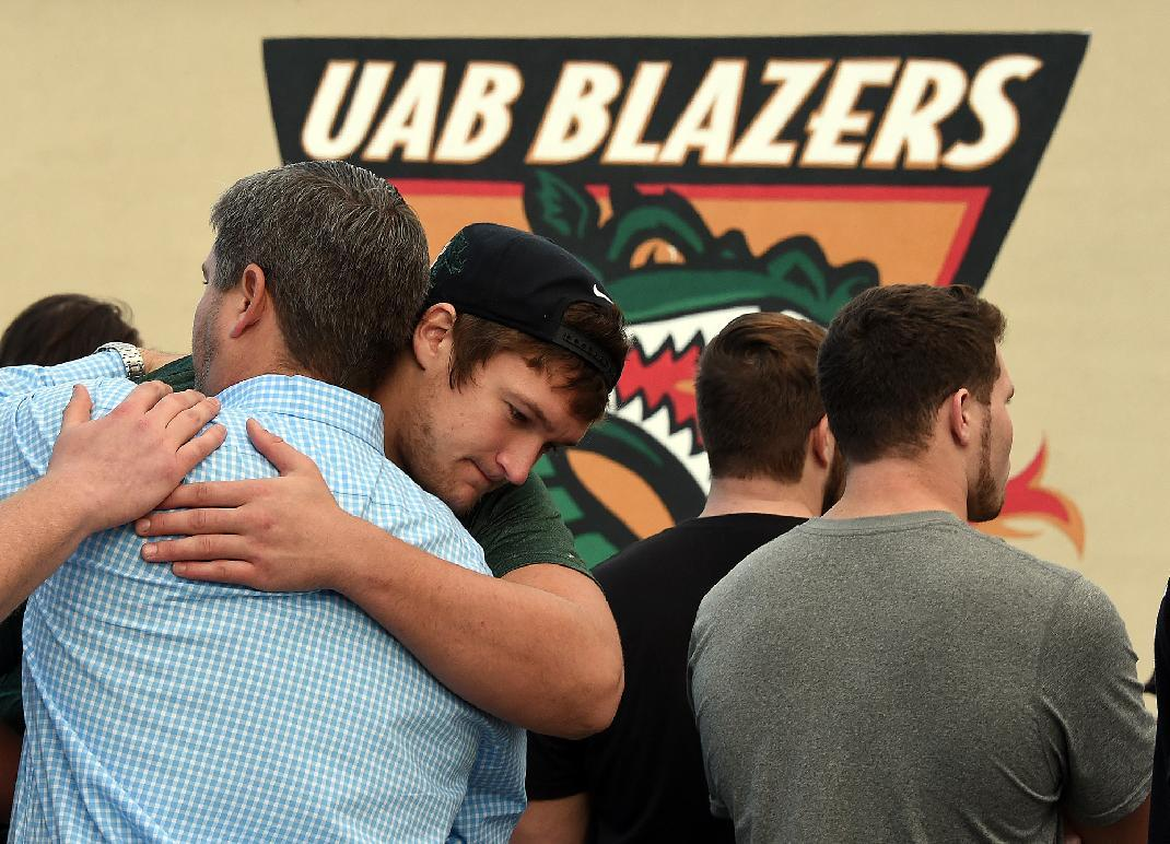 5-year-old boy tried to help UAB football with allowance money