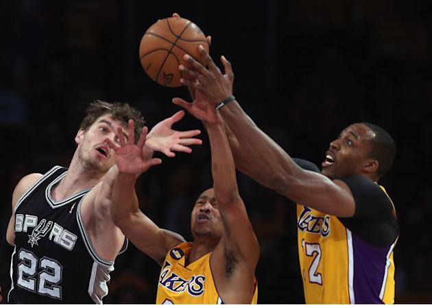 San Antonio Spurs v Los Angeles Lakers - Game Three