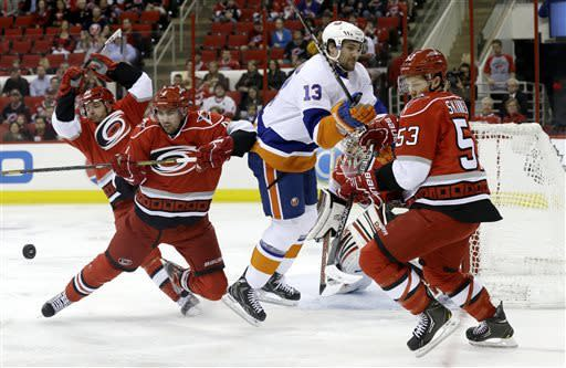 Islanders lose to Hurricanes, but make playoffs