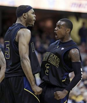 Akron holds off Kent State 62-59 in MAC semis