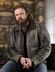 "FILE - A Jan. 12, 2009 file photo shows singer and songwriter Jamey Johnson in Nashville, Tenn. Johnson's new album, ""Living For a Song: A Tribute to Hank Cochran,"" is set for an Oct. 16 release. (AP Photo/Mark Humphrey, file)"
