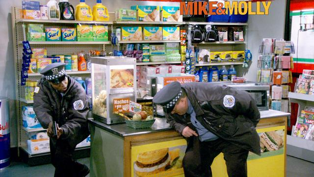 Mike & Molly - Officer Down!