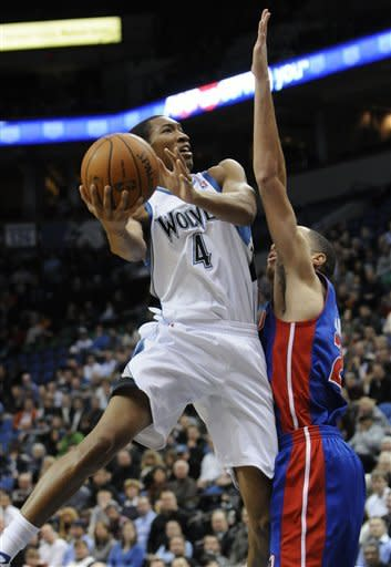 Timberwolves outlast woeful Pistons, 93-85