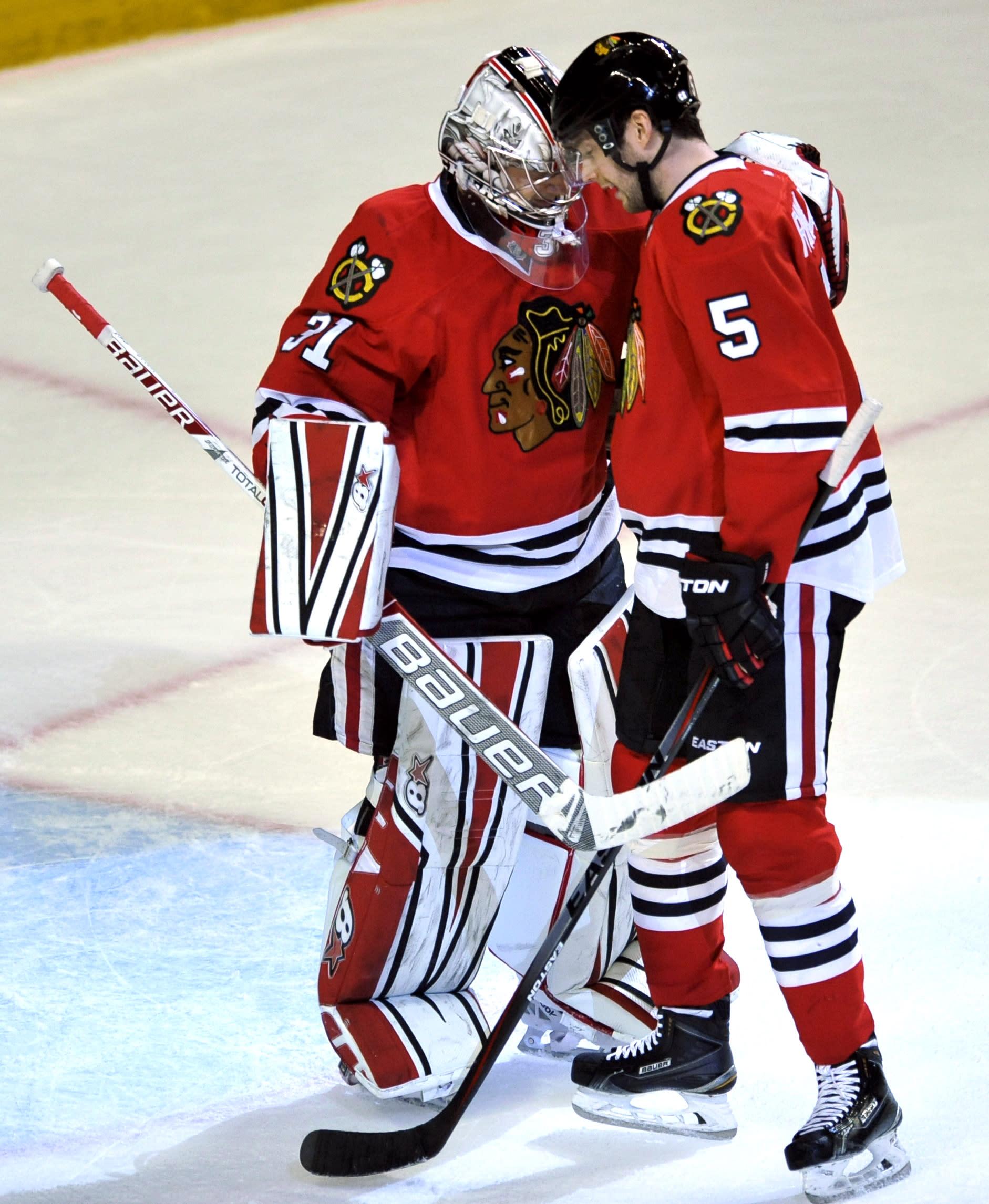 Kane leads Blackhawks past Maple Leafs 4-0