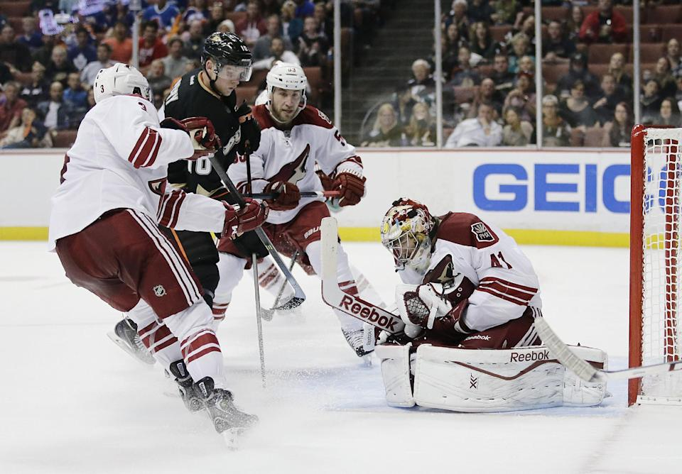 Silfverberg scores in SO, Ducks down Coyotes 3-2