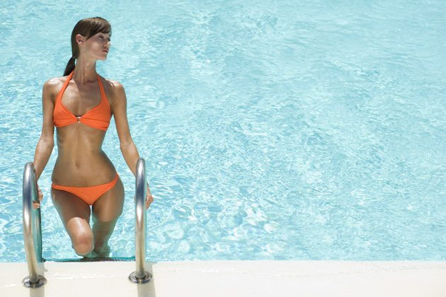 Flachgelegt: So klappt&amp;#39;s mit dem Bikini-Bauch (Bild: thinkstock)