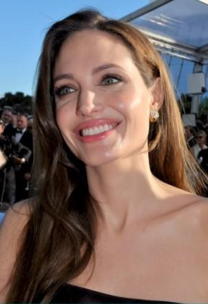 Angelina Jolie Has Preventive Double Mastectomy