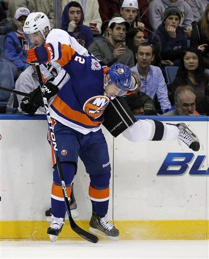Streit's OT goal lifts Isles over Kings 2-1
