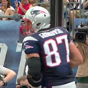 New England Patriots tight end Rob Gronkowski 6-yard touchdown catch