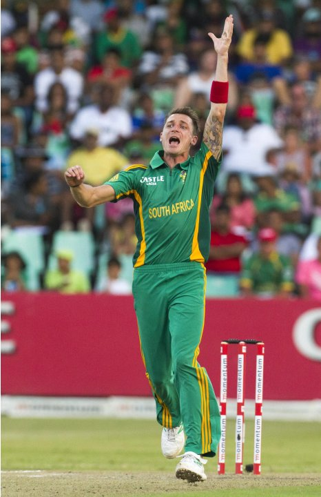 South Africa's Steyn appeals unsuccessfully for the wicket of Pakistan's Riaz during their fourth One Day International cricket match in Durban