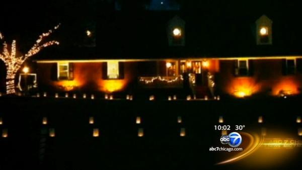 Former Newtown residents help honor victims