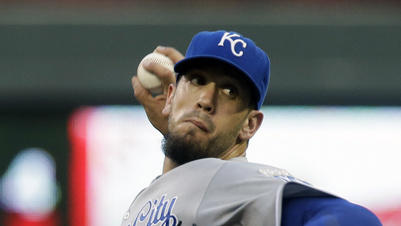 Shields leads Royals over Twins