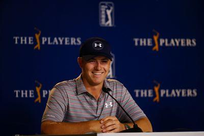 Jordan Spieth's phone interrupts press conference, so he shills