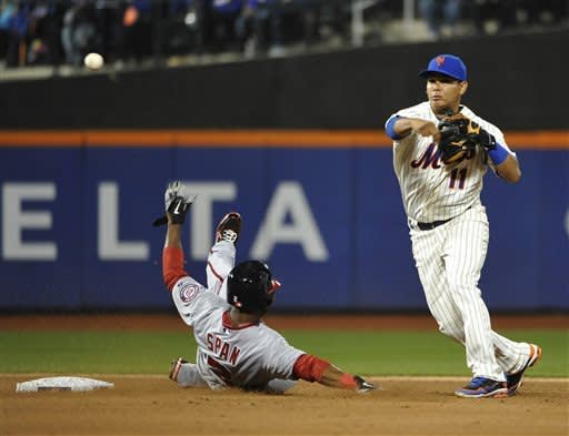 Harvey outpitches Strasburg, Mets beat Nationals