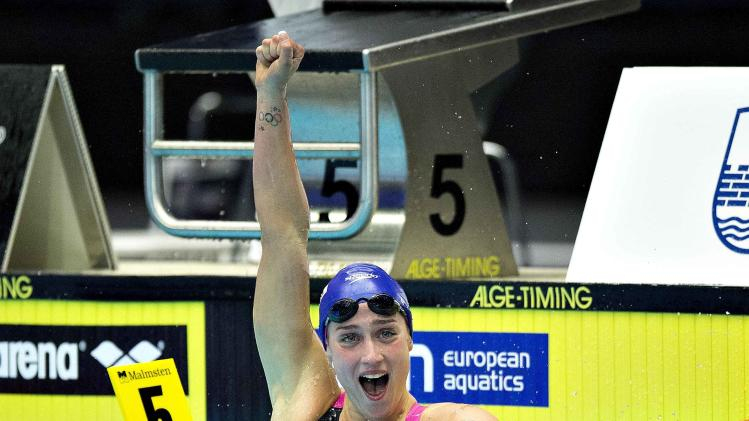 Belmonte Garcia of Spain celebrates winning gold at the women's 200m Butterfly final during the LEN European Short Course Swimming Championship in Herning