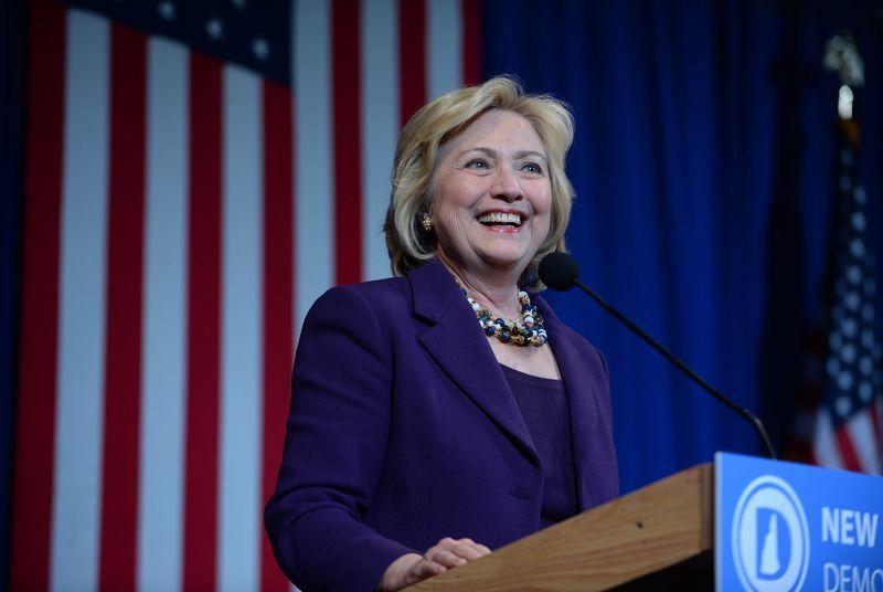 Hillary Clinton pledges broadband for all Americans in $275 billion infrastructure plan