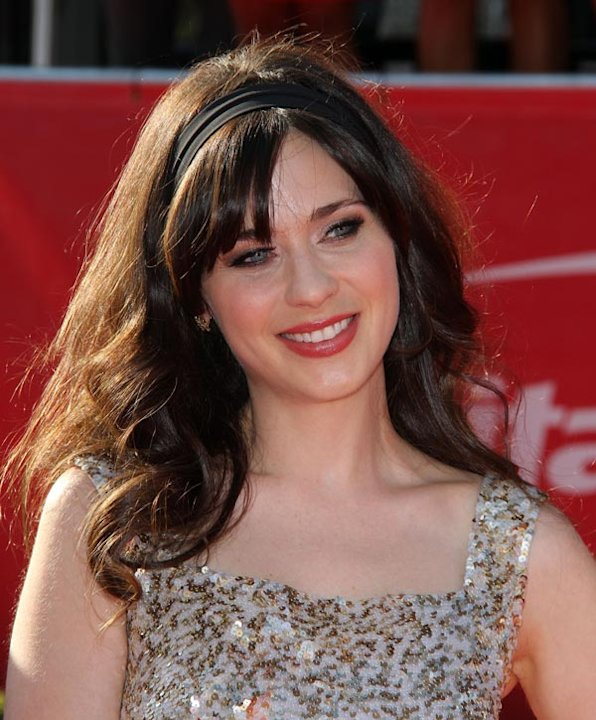 Zooey Deschanel's Sweet & Feminine Waves: Copy Her Look