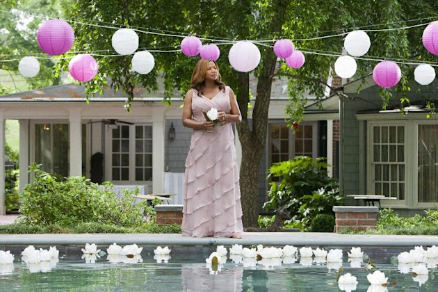 This undated image released by Lifetime shows Queen Latifah as MLynn in a scene from the Lifetime Original Movie, &quot;Steel Magnolias,&quot; premiering Sunday, Oct. 7, at 9pm on Lifetime. (AP Photo/Lifetime, Annette Brown)