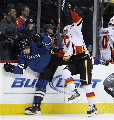 Cammalleri helps Flames to 3-1 win over Avalanche