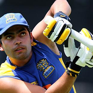 'Hero' Umar Akmal cleared in traffic case