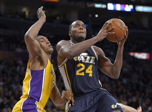 Lakers beat Jazz 102-84 to snap 4-game skid