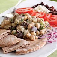 EatingWell's Middle Eastern Chickpea platter