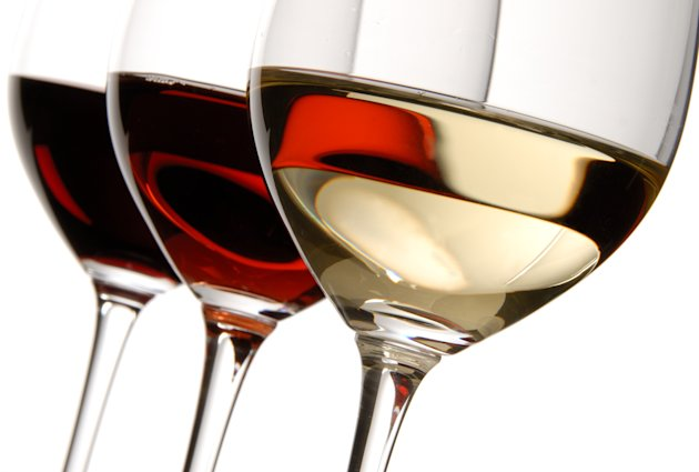 Glasses of red and white wine. Image: Fotolia