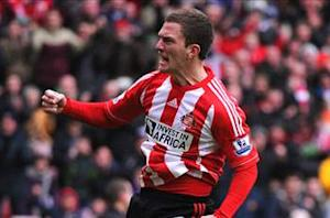 Sunderland 1-1 Norwich: 10-man Canaries cling on after Bunn & Bassong controversy