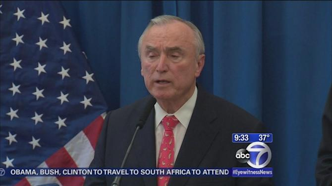 Bratton joins Sharpton at rally in Harlem