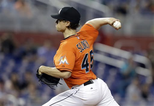 Marlins rally to beat reeling Mets again, 2-1