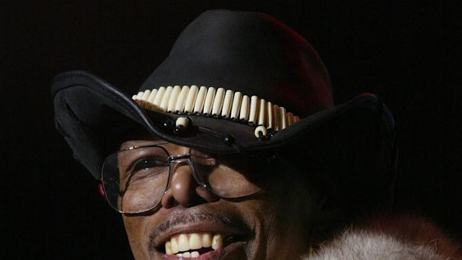 "In a 2002 photo, Leroy ""Sugarfoot"" Bonner, lead singer for the Ohio Players, performs during day two of the Midtown Music Festival in Atlanta. Bonner, frontman for the hit-making funk music band the Ohio Players, died Saturday, Jan. 26, 2013 in southwest Ohio. He was 69. (AP Photo/Atlanta Journal-Constitution, Michael McCarter) MARIETTA DAILY OUT; GWINNETT DAILY POST OUT; LOCAL TV OUT; WXIA-TV OUT; WGCL-TV OUT"