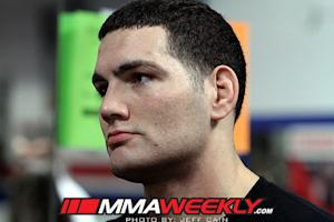 Chris Weidman Hopes to Return at Full Strength in 4 Months After Shoulder Surgery Wednesday